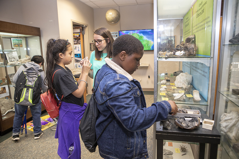 Academy students visit the the McKinney Geology Teaching Museum and participate in a scavenger hunt. Photo by Marie Freeman